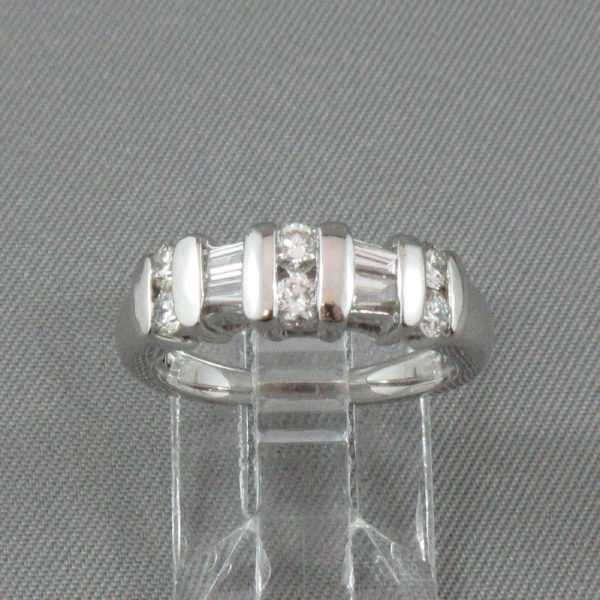 Bague Diamants ronds et baguettes, Platine B4344-1