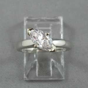 Bague Diamant marquise, 18K or blanc B5792-1