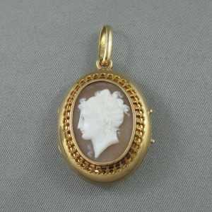 Shell cameo locket, 18K yellow gold B6159-1