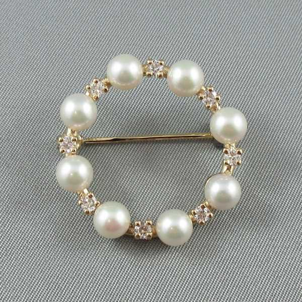 Broche, perles d'imitation 'Majorica' et zircons cubiques, B6515-1