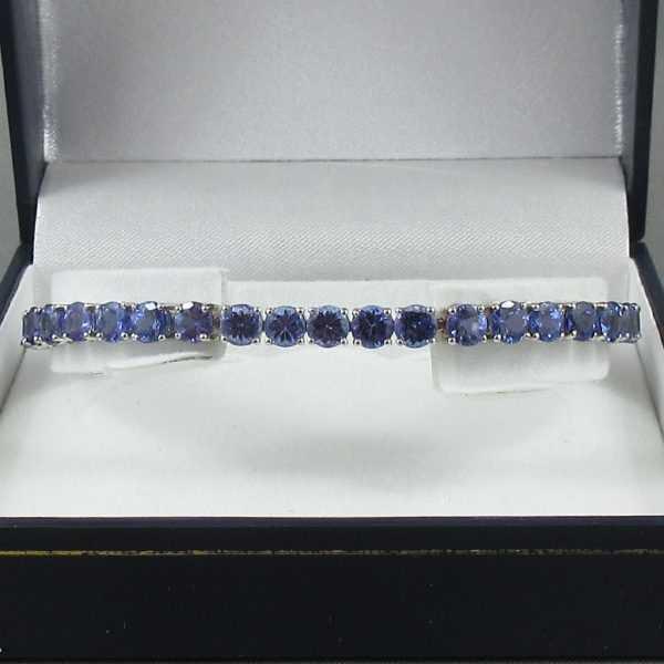 Bracelet, 40 Tanzanites, B6541-1