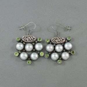 Pendants d'oreilles, péridots et perles d'eau douce, B6599-1