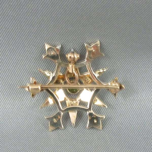 Broche/pendentif, perles fines et verre vert, 10K jaune, B6679-3