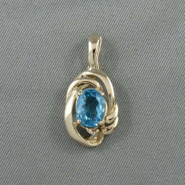 Pendentif Topaze bleue et diamant, 10k jaune, B6763-1