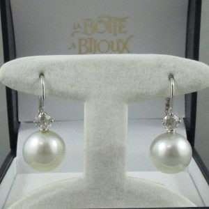 Pendants d'oreilles Perles des mers du sud et diamants, 18K blanc, B6807-1