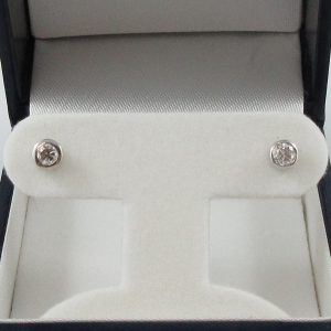 Boucles d'oreilles, 2 diamants, 14K blanc, B6931-1
