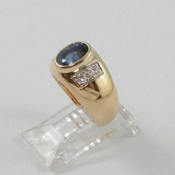 Bague, saphir bleu et diamants, 18K jaune, B7090-2
