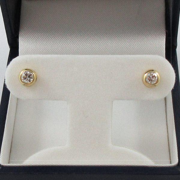 Boucles d'oreilles, 2 diamants, 18K jaune, B7173-1
